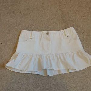 White skirt with flowy hem